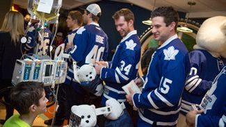 Creating Memories That Will Last a Lifetime - Toronto Maple #Leafs Visiting Kids at the #SickKids Hospital