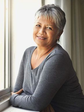 Coupe de Cheveux visage rond Femme de 50 ans : 20 coupes parfaites