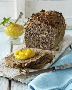Dinkel-Walnuss-Brot mit Aprikosen-Mango-Aufstrich