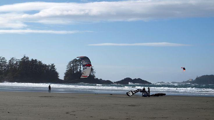 Kiteboarding, beach, sea, wind.
