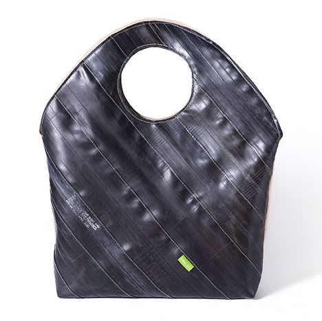 Krejci: Handbag from bicycle inner tubes