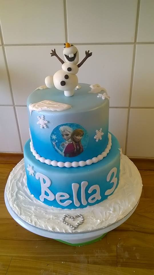 Frozen cake, airbrushed, with fondant Olaf and sugarprint Anna and Elsa