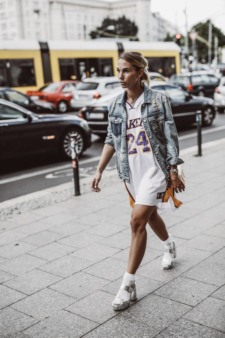 lakers shirt used as dress at the berlin fashion week with constantly k