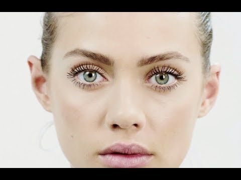 How to apply mascara - Charlotte Tilbury - YouTube