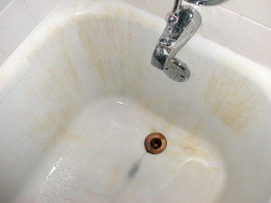 How To Get Rid Of Bleach Stains In The Bathroom Clean Bathtub Tub Cleaner Cast Iron Bathtub
