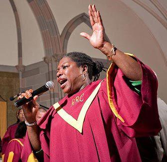 Les visites guidées gospel à New York sont très populaires. Découvrez Harlem et profitez ensuite de la musique gospel dans l'une des églises. Réservez ici :
