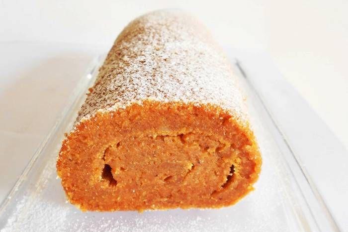 Torta de batata-doce e amêndoa - 250g de batata-doce cozida* e esmagada 5 ovos 325g de açúcar 65g de amêndoa com pele 60g de farinha de trigo T55 raspa de 1 limão 1 colher de chá de canela em pó Preparar um tabuleiro de 32x22cm e aquecer o forno a 180ºC. Misturar o puré de batata-doce com os ovos e o …