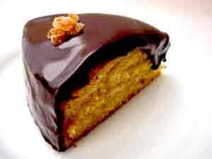 Bizcocho de Naranja y Chocolate es una de las mejores y mas fantasticas recetas de postres sencillos que podrás degustar durante Navidad y Año Nuevo! Anímate!!