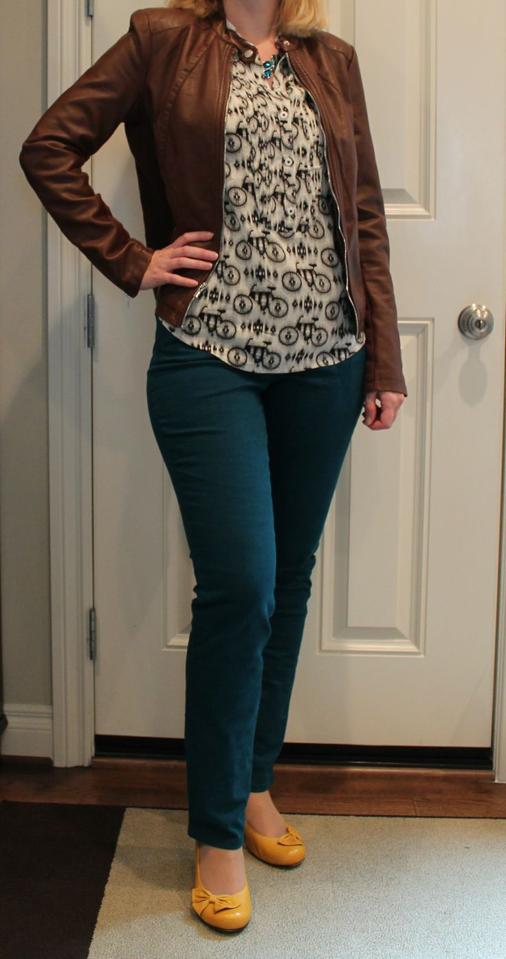 Pear Shape Curvy Body | Curvy Teal Jeans - I'm in love with this, want them all!!!!