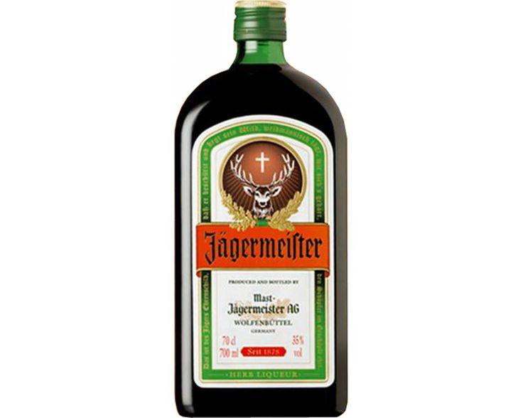 Sua elaboração é feita com uma mistura de 56 ervas, frutas e raízes, que resulta em uma bebida exótica de sabor exclusivo. Sua versatilidade possibilita a elaboração de diversos drinks, sendo o mais famoso no mundo inteiro o JägerBomb que é a mistura com energético. É recomendado também beber puro bem gelado.Sobre oJägermeister- Conteúdo:700 ml- Teor Alcoólico: 35%
