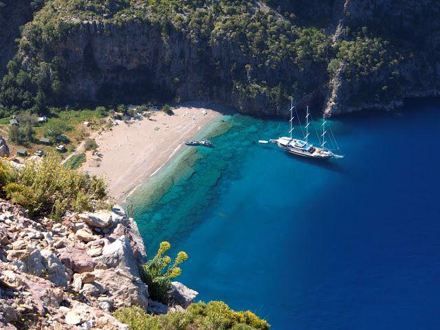 Fethiye'de bulunan Kelebekler Vadisi'ne gitmek isterseniz günübirlik tekneler ile ilerleyebilirsiniz.  #Maximiles #Turkey #Türkiye #deniz #plaj #denizmanzarası #gezilecekyerler #gidilecekyerler #koylar #plajlar #doğa #doğamanzarası #doğamanzaraları