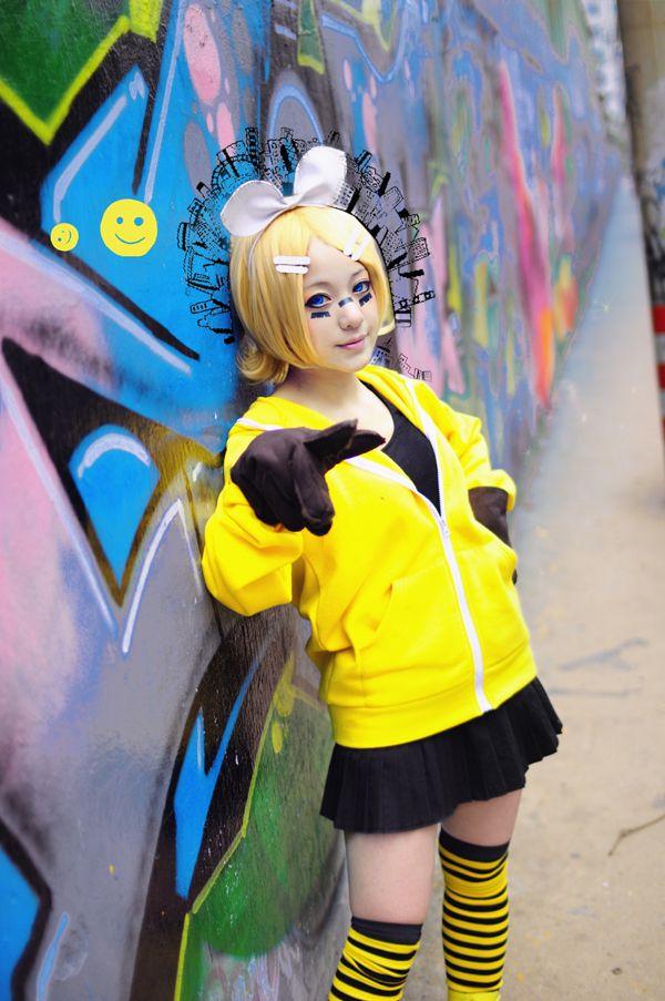 Vocaloid Matryoshka Kagamine Rin cosplay