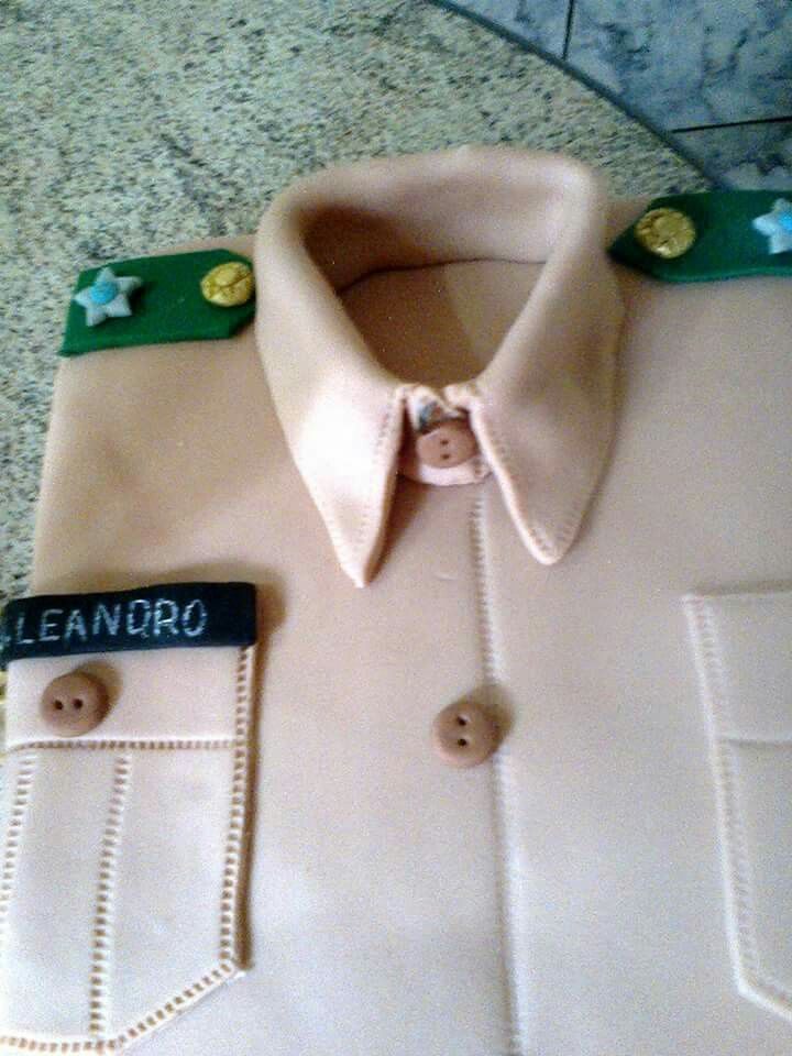 Bolo de camisa do exército