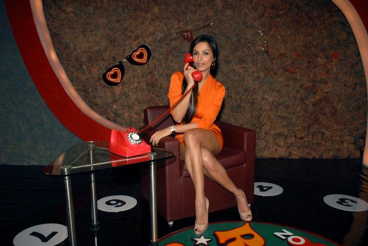 Bollywood - Malliaka Arora Khan chatting with a zoOm fan