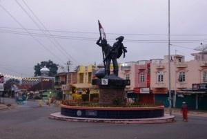 Merupakan monumen perjuangan yang berada di daerah siborang, Padangsidimpuan, dan merupakan sebuah patung yang sudah sangat berumur.