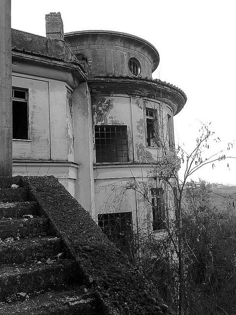 The abandoned Tennessee State Penitentiary is probably the creepiest place in Nashville.