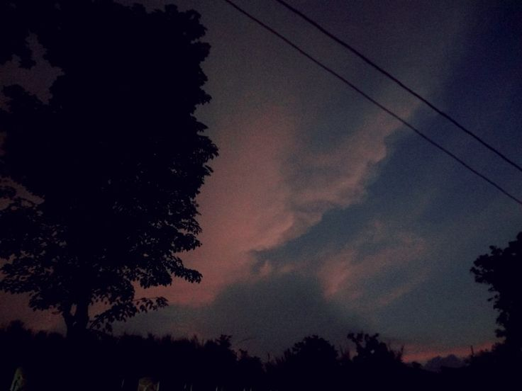 Di halaman depan @grobakhysteria saat menunggu senja | Jl. Stonen 29 Bendan Ngisor SMG | #SewinduPlusSatuHYSTERIA