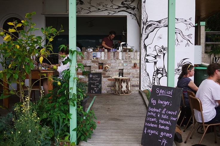 Am keen to visit Garden 2 plate cafe near Bouddi National Park, Central Coast NSW (via Ché and Fidel)