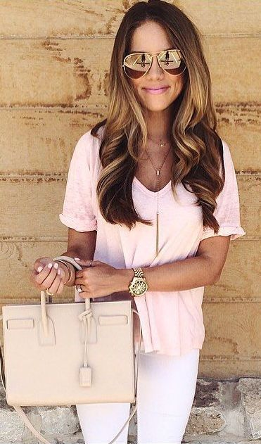 pink tee and white jeans