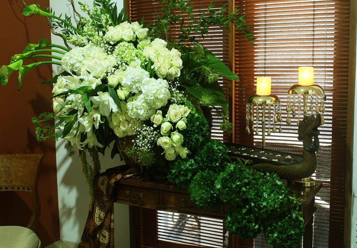 Rangkaian bunga meja area Voyee