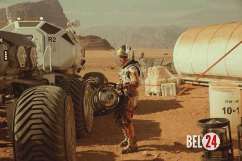 """Каких технологий из фильма """"Марсианин"""" у нас нет.. ( Технологии@Science_Newworld). Руководитель лётными операциями Nasa Роберт фрост прокомментировал технологии, которые показаны в фильме """"Марсианин"""" ридли Скотта. Инженер уверен, что взгляд создателей фильма на двадц�"""