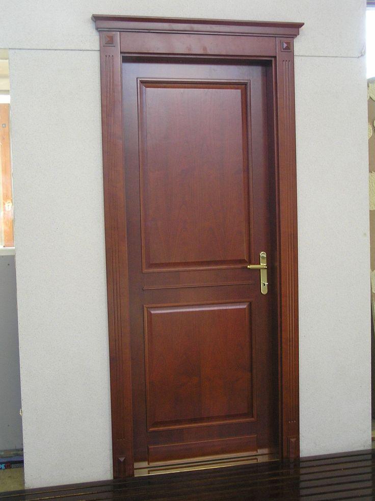 klasszikus színfurnéros beltéri ajtó, egyedi díszborítással