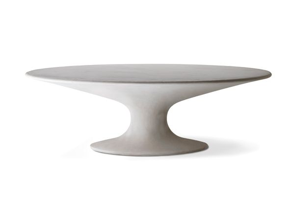 Novelty by Zanotta. Unusual form of Fenice table is a reedition of classical 1936 design by Piero Bottoni. Author of 2016 version is Daniele Greppi. Available at MOOD, Warsaw #mood #zanotta #fenicetable #newtable #danielegreppi #beautifultable