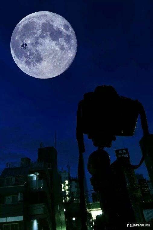 We saw ET!  #moon #fullmoon #ET #japankuru #japan #cooljapan #100tokyo #tokyo #tokyothisweek