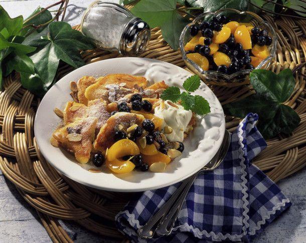 Unser beliebtes Rezept für Topfen-Schmarren mit Früchten und mehr als 55.000 weitere kostenlose Rezepte auf LECKER.de.