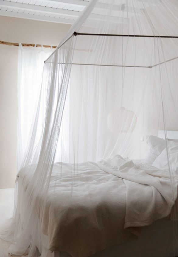24 Stunning Rooms Without a Stitch of Pattern. Best 25  Mosquito net bed ideas on Pinterest   Mosquito net
