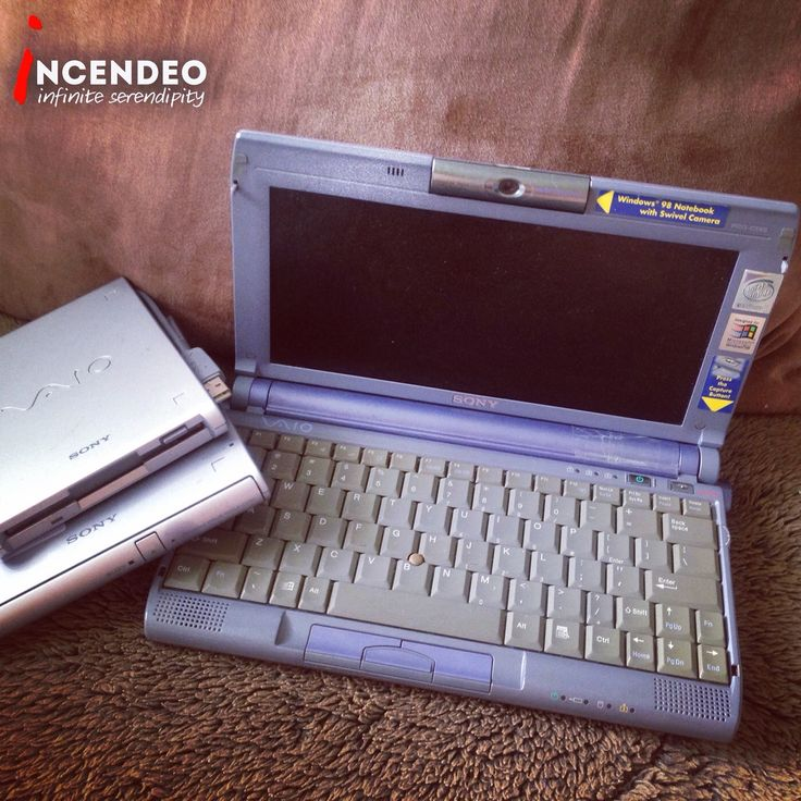 Sony VAIO PictureBook Pentium II Laptop Computer PCG-C1XS. #sony #vaio #picturebook #pentium2 #intel #laptop #notebook #computer #technology #microsoft #windows #vintage #retro #museum #collectible #collection #incendeo #infiniteserendipity #手提电脑 #收藏