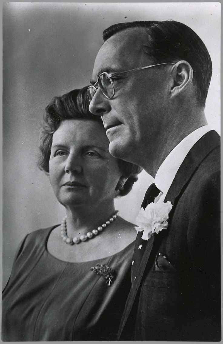 Silver Wedding Celebrations of Queen Juliana and Prince Bernhard - 1962 - Official silver wedding portrait
