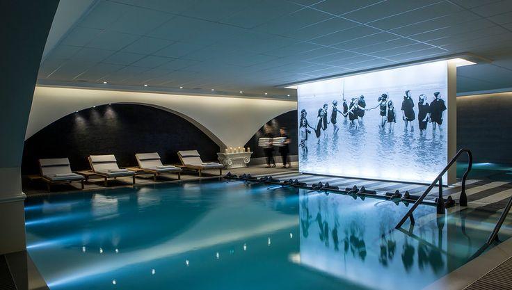 Une ambiance tamisée pour ce spa, projet porté par Jean Philippe Nuel ! Architecture d'intérieur, spa design, mobilier de luxe Pour voir d'autres astuces en design : brabbu.com/products
