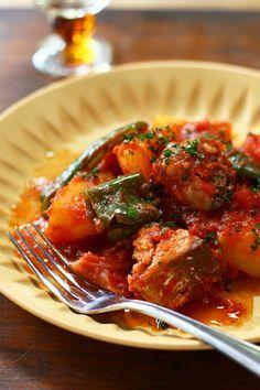 鍋ひとつレシピ♡さば缶とじゃがいものトマト煮込み