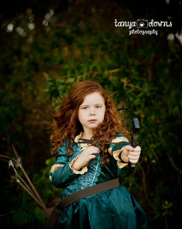 SO COOL- this photographer takes girls and has a photo shoot where the are a Disney princess! I totally want to do this!! :)