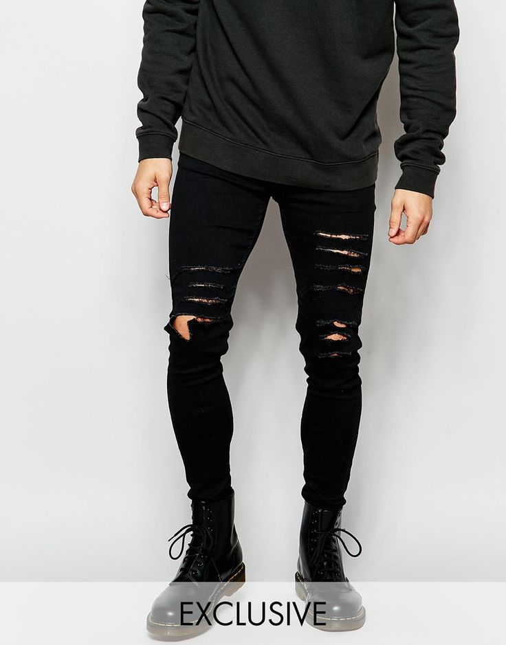 These skinny ripped jeans are a great way to inject some personality into your outfit. Layer with a longline t-shirt and over sized jumper for s slouchy grungy look.