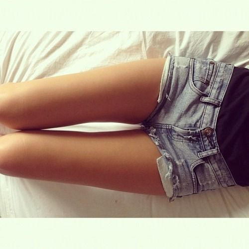 OKay so I want a thigh gap. I really do. I hate my body& I just do not think I am a very pretty girl. I want to be skinny. I want to not be fat. I want to be beautiful. But I am just me. And that is all I will ever be.  xox