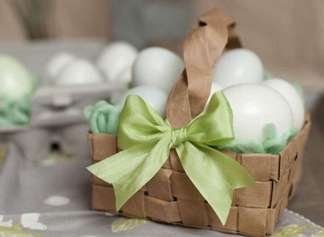 A grocery bag is all it takes to make this beautifully woven paper basket, which is just the right size for kids to tote around during a backyard Easter ...