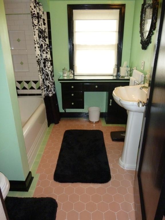 best 25 retro bathrooms ideas on pinterest 1950s house retro bathroom decor and vintage bathroom mirrors