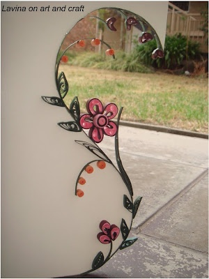 S shaped quilled card