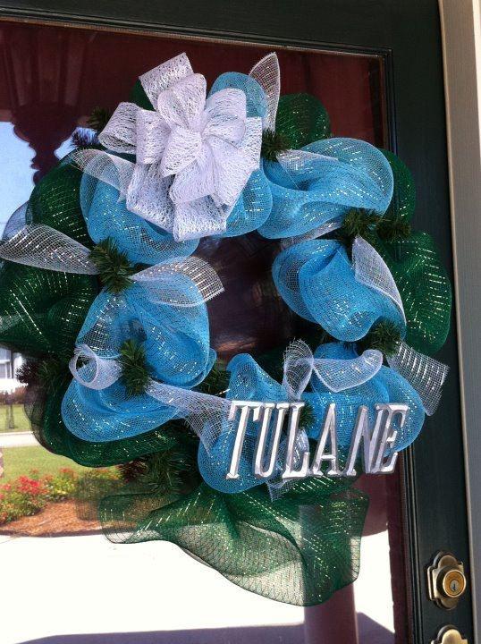 tulane wreath