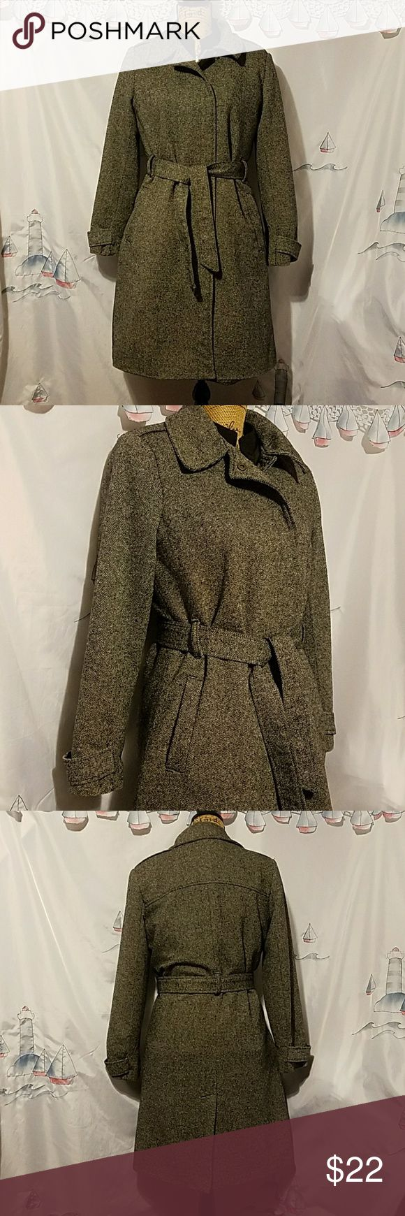 """Old navy pea coat. Old navy pea coat.Size large.Shoulder to bottom 38"""" long.,breast laying flat 19"""".Color gray and black.used and  good condition. Old Navy Jackets & Coats Pea Coats"""