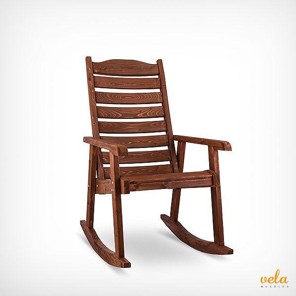 Mecedora de madera tratada con barniz especial para exterior. Mira qué precios