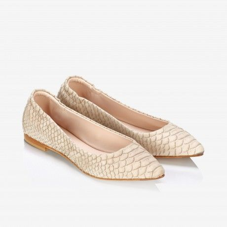Pointed-toe Flats Sand
