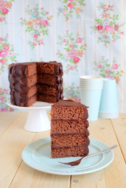 Torta a piani al cioccolato - Simple layer chocolate cake (for father's day)