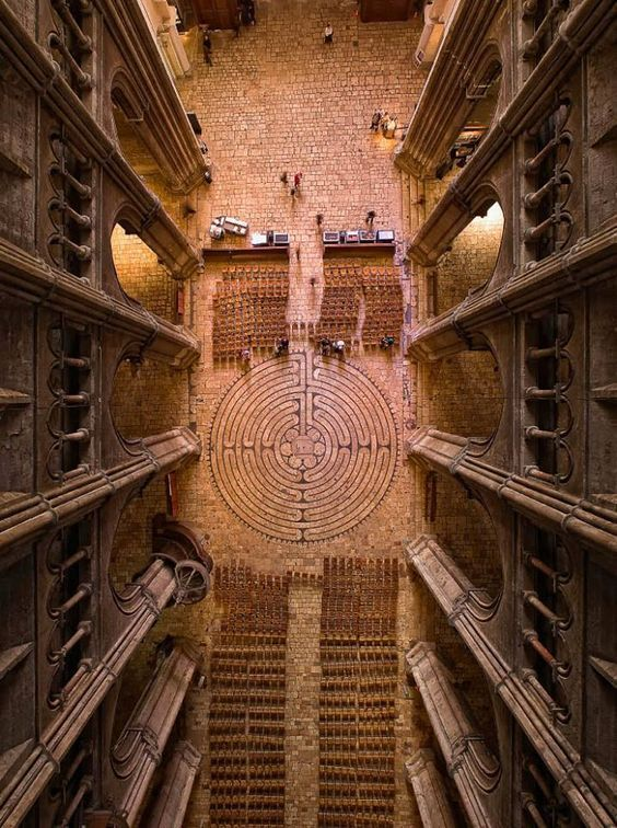 Birds eye view of the Chartres cathedral labyrinth.
