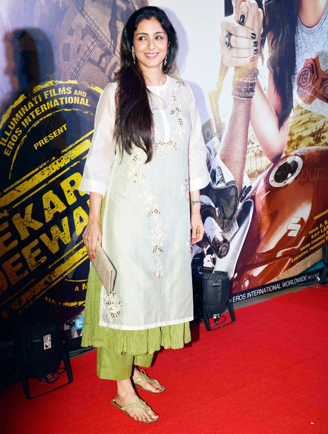 Tabu looked stunning in white-green combination with her hair let loose at premiere of 'Lekar Hum Deewana Dil'.