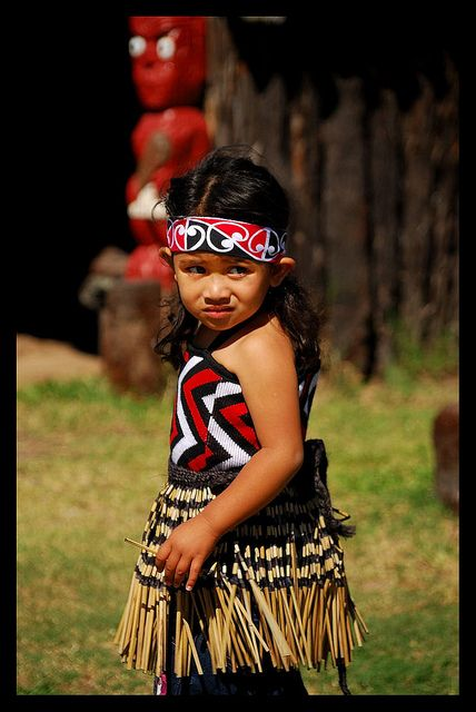 Cute little Maori girl - New Zealand big heart ....