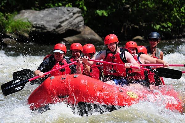 6 Things We Love About Rafting in the Smokies - http://www.smokymountainrafting.com/blog/whitewater-rafting-tennessee/6-things-love-rafting-in-the-smokies/