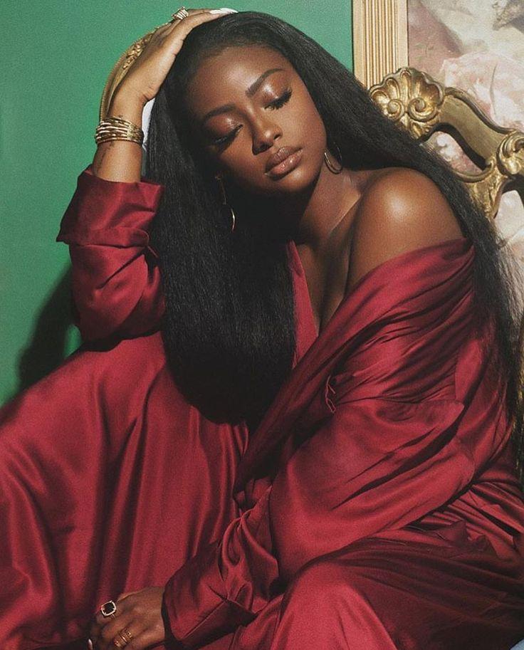 Dark Melanin Girls 🇷🇼🇲🇼🇿🇲 sur Instagram: @justineskye @darkmelaningirls . . #blackwoman #blackwomen #blackgirls #blackgirl #melanin #melaninpoppin #darkskin #darkskingirls…